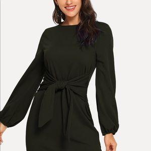 SHEIN Dresses - 🆕Green Knot Waist Dress